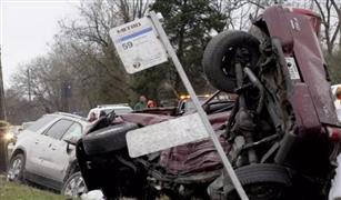 بالفيديو.. وفاة سيدة أمريكية بسبب قذف مراهقون البيض على السيارات في تكساس