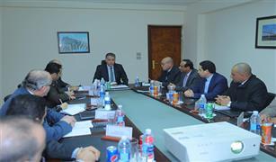 وزير النقل يترأس إجتماع اللجنة المكلفة بإعداد ضوابط تطبيق القانون تنظيم خدمات النقل
