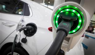 رئيس الوزراء البريطاني يتعهد بان تمول حكومته صناعة السيارات الكهربائية