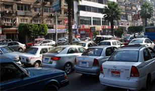 الحالة المرورية  زحام مرورى على معظم محاور القاهرة .