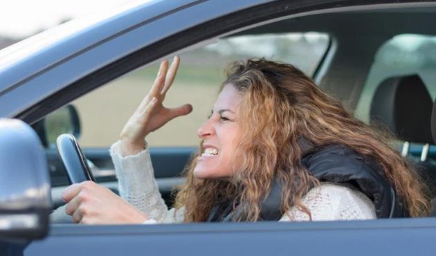 سألنا قائدات السيارات.. ماذا يفعل بك الغضب أثناء القيادة؟