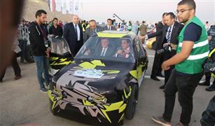 وزير التعليم العالي  يفتتح رالي السيارات الكهربائية بالعاصمة الإدارية الجديدة