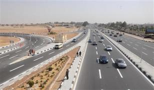 الحالة المرورية اليوم : توقف حركة السيارات على طريق الاسماعلية بسبب تصادم سيارتين .