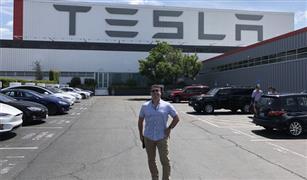 """""""تيسلا"""" تنفق 6ر1 مليار دولار لإنشاء مصنع لسياراتها في الصين"""