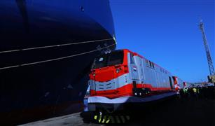 """النقل"""" تستقبل  أول 10 جرارات سكة حديد جديدة بميناء الإسكندرية"""