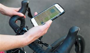 هولندا تحظر استخدام الهواتف المحمولة أثناء قيادة الدراجات الهوائية