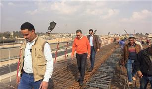 وزير النقل يفاجئ العاملين بمحطة عدلي منصور  بالجزء الثاني للمرحلة الرابعة للخط الثالث للمترو 4B