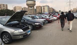 انخفاض أسعار السيارات المستعملة في سوق العاشر| صور