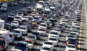 دبي تنجح في إقناع 20 ألف موظف باستخدام المواصلات العامة وترك سياراتهم