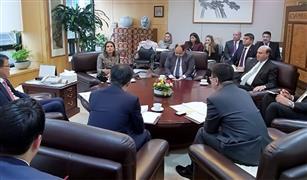 مباحثات مصرية كورية لجذب استثمارات فى مجال صناعه السيارات  لمنطقة قناة السويس
