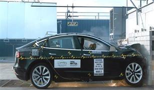 هذا ما جرى لأفضل سيارة كهربائية في العالم خلال اختبار تصادم