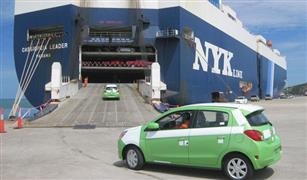 الجمارك تنفي تقسيط أو إعفاء سيارات العاملين بالخارج
