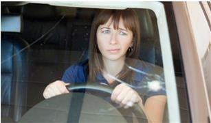 متى يغني إصلاح شروخ زجاج السيارة عن استبداله