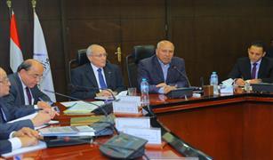 وزير النقل يبحث مع وزير الدولة للإنتاج الحربي معدلات تنفيذ مشروعات تطوير السكة الحديد