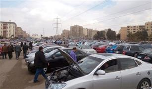 ميكانيكي في سوق مدينة نصر: مبيعات السيارات المستعملة تراجعت بشدة