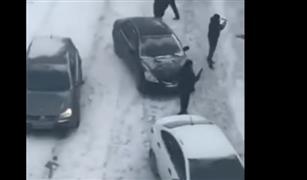 شاهد.. اصطدام 40 سيارة في موسكو بسبب الجليد