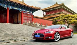 """احتجاز المئات من سيارات """"تيسلا"""" الأمريكية في ميناء شنغهاي الصيني بسبب الجمارك"""