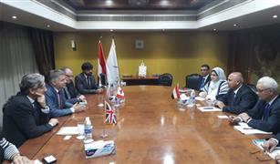 وزير النقل يدعو الشركات البريطانية للتعاون فى صيانة السكك الحديد المصرية