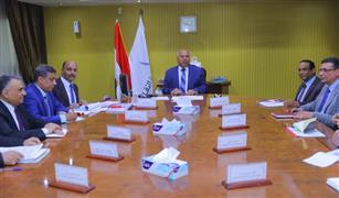 وزير النقل: طرق جديدة وكباري على النيل بالتوازي مع خطة صيانة المحاور القديمة