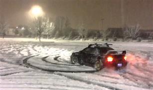 شاهد بالفيديو.. هواية التفحيط على الثلج تجذب الروس