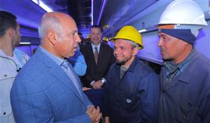 وزير النقل يتابع تطوير  وتحسين العربات المكيفة والمميزة بورش كوم أبوراضي