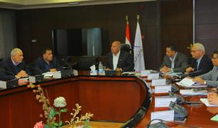 وزير النقل يتابع صفقة توريد 6 قطارات جديدة للركاب وشراء 100 جرار