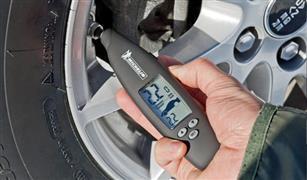 أيهما أكثر خطورة انخفاض ضغط إطار السيارة أم زيادته؟.. الإجابة غير متوقعة