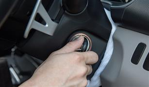 متقلقش لو نسيتك مفاتيحك.. حيل متعددة للدخول إلى السيارة