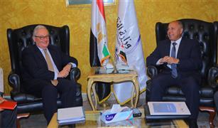 وزير النقل يبحث مع السفير الايطالى التعاون بين الجانبين فى النقل البحرى