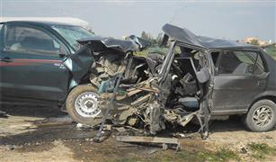 توقف حركة المرور على طريق اطفيح بالجيزة بسبب حادثى تصادم للسيارات.