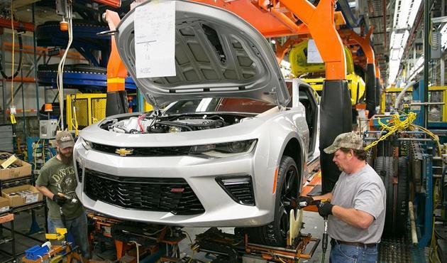 """جنرال موتورز"""" تؤجل طرح محرك ديزل توربو جديد للشاحنات الكبيرة"""