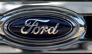 """فورد"""" تختبر إنسانا آليا للعمل مع السيارات ذاتية القيادة لتوصيل الطلبات"""