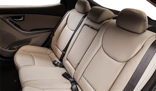 نصائح لتأمين أطفالك الجالسين في المقاعد الخلفية بالسيارة