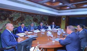 وزير النقل يبحث مع وفد شركة قناة السويس للحاويات جذب المزيد من الشركات الملاحية الكبرى