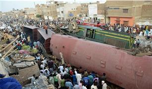 تصادم مروع بين قطارين بباكستان ومقتل العشرات