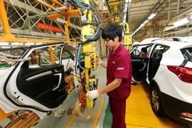 العملاق الصيني يهدد عرش صناعة السيارات الأوروبية