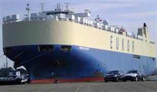جمارك بورسعيد تفرج عن سيارات نقل بقيمة ٥٦ مليون جنيه