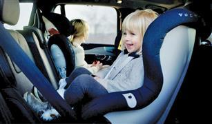 كيف تحافظ الأمهات على أطفالهن فى أثناء القيادة؟