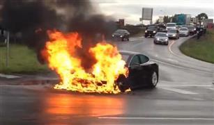 اندلاع حريق في سيارة  تسلا الكهربائية   في موسكو
