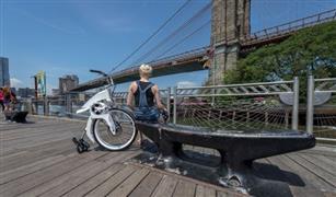 دراجة كهربائية يمكنها طى نفسها آليا