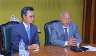 وزير النقل: توقيع عقد توريد وصيانة 6 قطارات للمترو مع كوريا الجنوبية