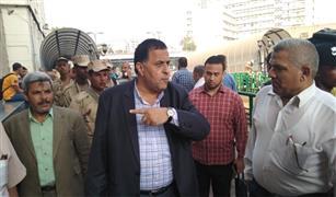 """رئيس """"السكك الحديد"""" يتفقد محطة مصر  للاطمئنان علي صرف تذاكر العيد"""