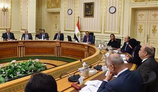"""رئيس الوزراء يوجه بتنفيذ مشروع تحويل """"المينى باص والميكروباص"""" للعمل بالوقود المزدوج"""