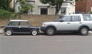 أيهما أفضل.. سيارة كبيرة عائلية أم سيارتين لي ولزوجتي؟
