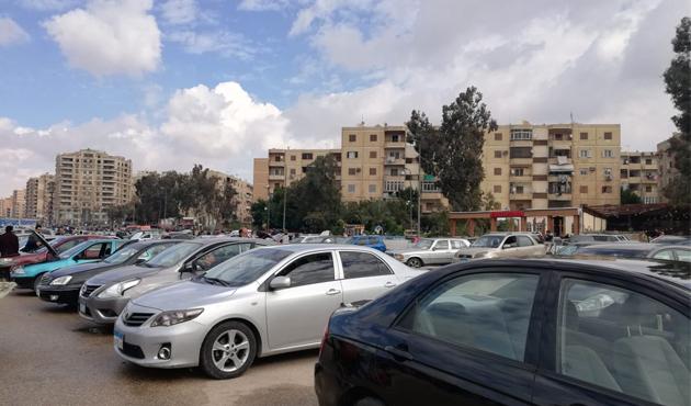 لماذا انخفض عدد السيارات المستعملة في سوق مدينة نصر؟  صور وفيديو
