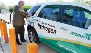 الوقود الهيدروجيني يهدد عرش السيارات الكهربائية