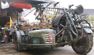 دراجات عملاقة وزنها يقترب من 5 أطنان ومحركها مأخوذ من دبابة!