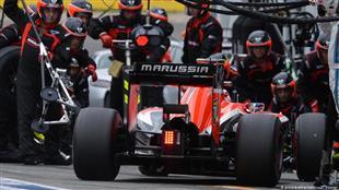رابطة فورمولا- 1 واتحاد سباقات السيارات يدعمان هاس في موقفه من سائقه الروسي مازيبين