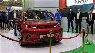 روسيا تزيح الستار عن سيارة كهربائية بسعر رخيص
