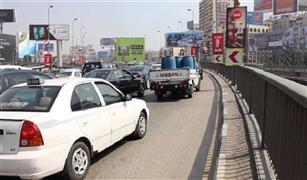 النشرة المرورية زحام على كوبرى أكتوبر بسبب أعطال السيارات وكثافات بمناطق الأعمال.